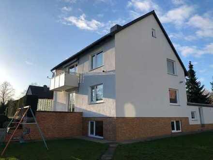 Seelze-Harenberg - MF-Haus mit 3 Wohnungen und großem Grundstück