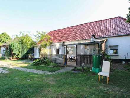 Platz für Ihre Ideen: Ansprechendes Baugrundstück mit Altbestand in idyllischer Lage nahe Celle