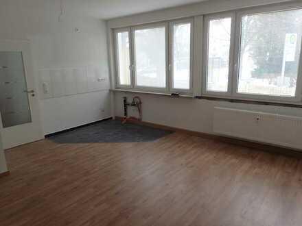 Neu Renovierte 2,5 Zimmer Wohnung Gaustadt