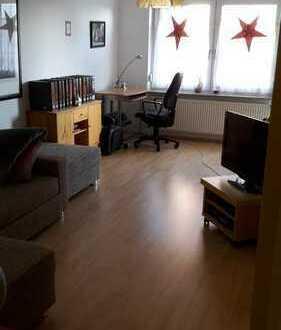 Vollständig renovierte 2-Zimmer-Wohnung mit Balkon und EBK in Einbeck