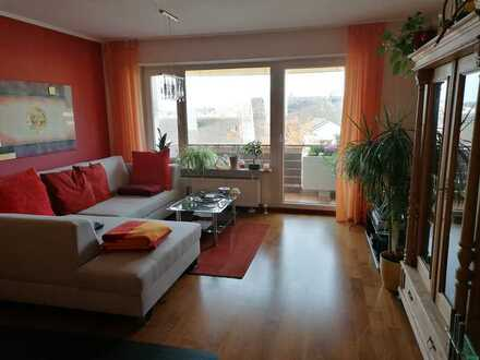 Exklusive, sanierte 3,5-Zimmer-Wohnung mit Balkon und EBK in Straubing