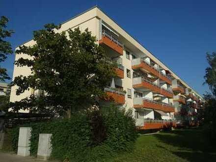 gut geschnittene 2 Zimmer Wohnung mit Wohnküche - S/W Balkon - zum Selbstbezug