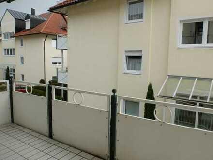 Helle 2 Zimmer Wohnung mit EBK zur Ablöse, Südbalkon, TG, Lift
