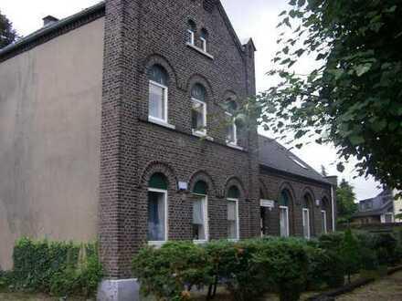 Ruhige 2 Zimmer Wohnung im Altbau in Meerbusch Bösinghoven