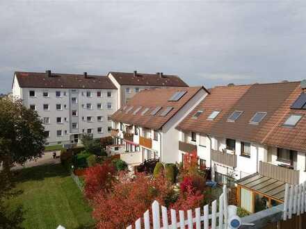 Gemütliche 3-Zimmerwohnung in 8 - Parteienhaus - schöner Aussichtsbalkon - Einzelgarage - frei
