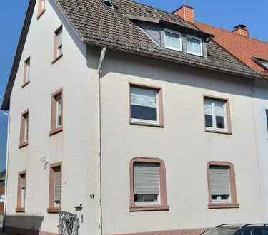ARNOLD-IMMOBILIEN: Gute Rendite - Renoviertes Dreifamilienhaus