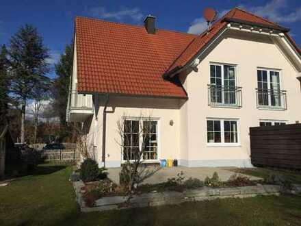 Wunderschöne Doppelhaushälfte in Hattenhofen