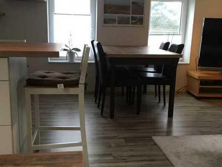 Tolle möblierte 2 Zimmer DG-Wohnung, schön eingerichtet und voll ausgestattet.