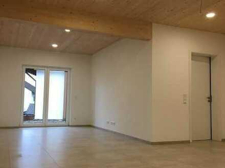 Erstbezug: moderne 2,5-Zimmer-Wohnung mit grosser Sonnenterrasse in Haibach