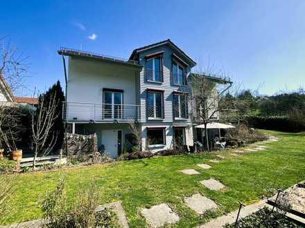 Traumhafte Lage! Zweifamilienhaus mit Einliegerwohnung im begehrten Winterbach