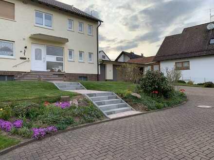 Ansprechende, frisch renovierte 5-Raum-Wohnung mit EBK, Balkon, Keller und Garage in Schöllkrippen