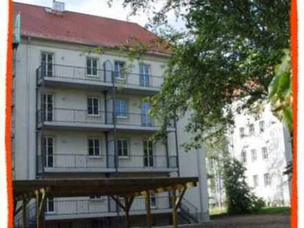 Traumhafte 3-Zi. Wohnung mit Parkett, BALKON und Carport