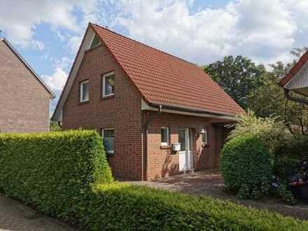 5722- Bezugsfrei! Einfamilienhaus mit kl. Garten und Carport - Nähe Drögen-Hasen!