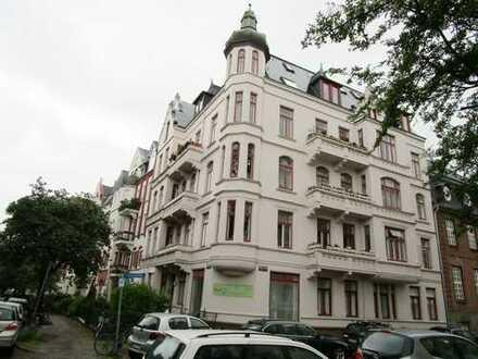 Gründerzeitwohnung am Schrevenpark - Zentral gelegene 3 Zimmer Wohnung mit Balkon im EG (WE1)
