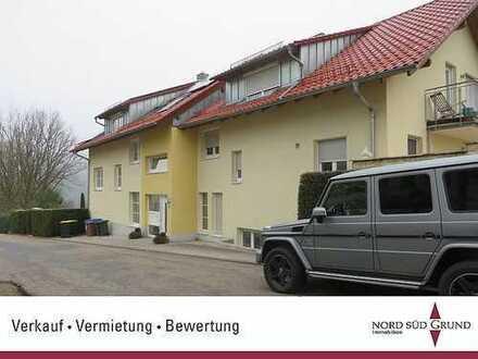 Große, moderne 2,5-ZKB Wohnung 86 m² Wohnfläche. Ruhige Lage, Terrasse. Stellplatz. Aussichtslage
