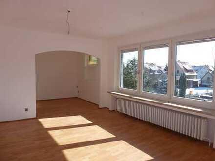 Gehrden-Stadt: Teilsaniertes, gut vermietetes Renditeobjekt mit 3 Wohneinheiten und 3 Einzelgaragen