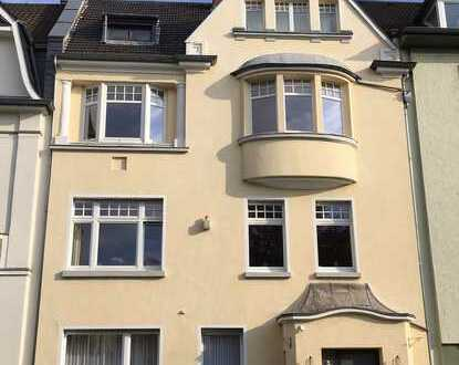 Südstadt/Museumsmeile-schöner Stilaltbau - sanierte 3-Zimmerwohnung mit sonnigem Südbalkon