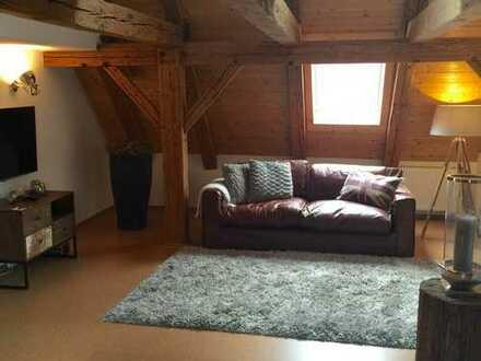 Traumhafte, günstige 5-Zimmer-Maisonette-Wohnung mit Balkon und Einbauküche