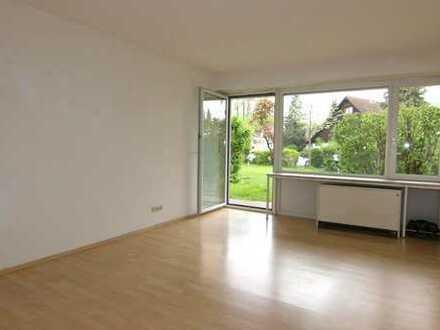 Planegg-Helle, großzügige 3-Zimmer-EG-Wohnung mit sonniger Terrasse und Blick ins Grüne
