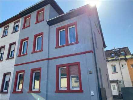 ** Reserviert ** Helle und frisch sanierte 2 ZKB-Wohnung in Frankenthal ab sofort