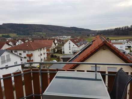 Schöne 3-Zi-Wohnung im Dachgeschoss mit Panoramablick