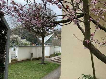 mit Blick auf die Elbe - traumhafte 2 Zimmer Wohnung