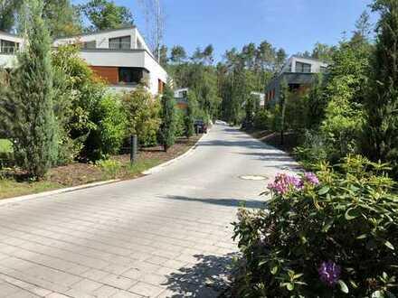 Exklusive Parkanlage mit Doppelhaus-Villen