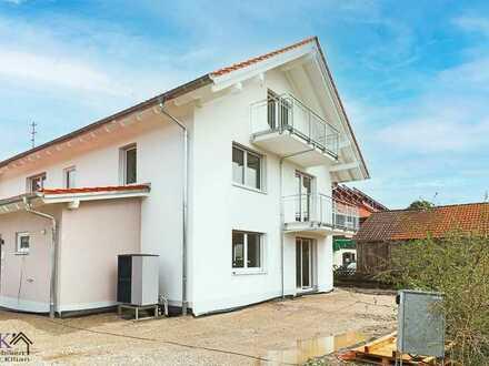 Neubau Etagenwohnung in einem 3-Familienhaus in Rott