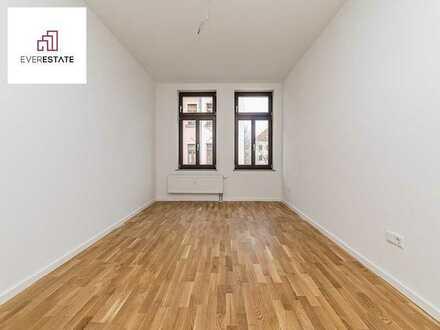 Provisionsfrei und frisch renoviert: Altbauwohnung für Singles oder Paare