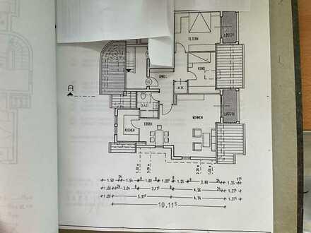 Moderne, vollständig renovierte 3-Zimmer-DG-Wohnung mit 2 kleinen Balkonen in Wiesloch-Baiertal