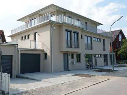 Wunderschönes neues Architektenhaus mit Garten, Dachterrassen, EBK. Ruhige Lage