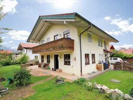 Hochwertiges und top gepflegtes Einfamilien-Landhaus in ruhiger Lage von Ruhpolding.