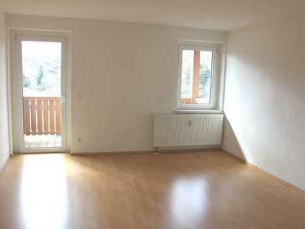 Geräumige 3-Zimmerwohnung mit Balkon in Lengefeld