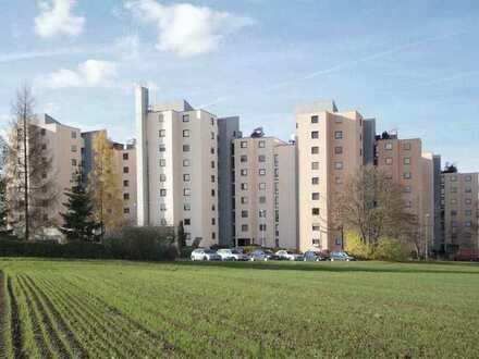 Gepflegte 1-Zimmer-EG-Wohnung mit Balkon und EBK in Ludwigsburg