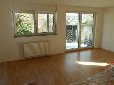 Schöne, helle drei Zimmer Wohnung mit südausrichtung in Rhein-Pfalz-Kreis, Schifferstadt