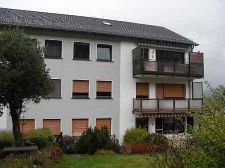 Attraktive 3-Zi.-ETW mit Balkon, Garage und Gartenanteil!