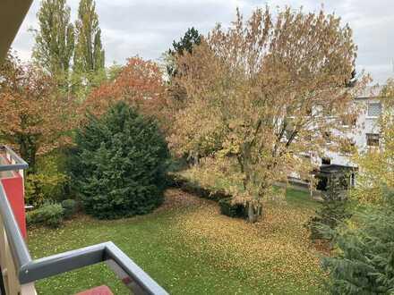 Ruhig gelegene 2 Zimmer Küche Duschbad in Neuhausen
