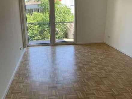 Erstbezug nach Sanierung: helle 1-Zimmer-Wohnung mit Balkon in Bonn