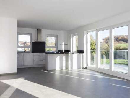 Erstbezug mit Einbauküche und Balkon: exclusive 3,5 -Zimmer-Wohnung in Mühltal