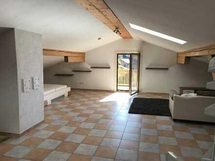 Grosszügiges Dachgeschoss-Appartement in Truchtlaching