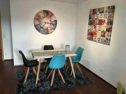 moderne 2 Zimmer Wohnung mit schönem, großen Garten