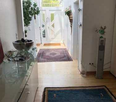 Bungalow mit Potential zu mehr Wohnraum, in bester Lage des Komponistenviertels