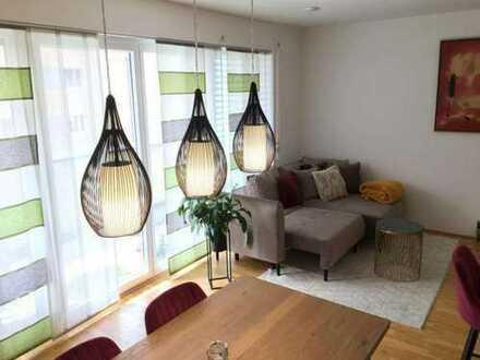3 Monate Mietfrei !!! 4-Zimmer-Wohnung mit Einbauküche und, Balkon,WG geeignet in Berlin