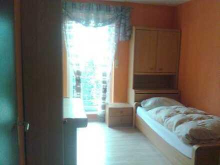 Zimmer im erste Obergeschoß in Einfamilienhaus