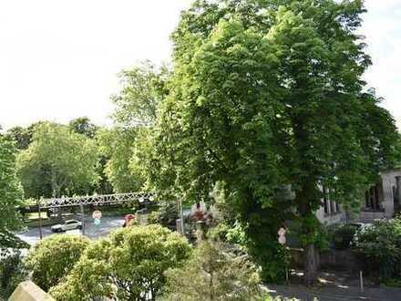 Stadtwohnung mit Blick auf den Hofgarten! Erstbezug nach Sanierung!