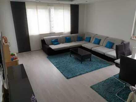 3-Zimmer-Wohnung mit Balkon und EBK in Porz, Köln