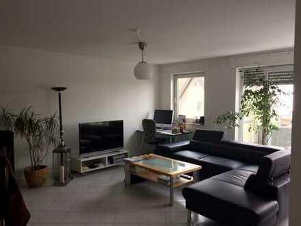 Schöne, helle zwei Zimmer Wohnung in Köln