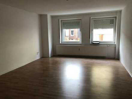 Schöne, gemütliche 1 Zimmer Wohnung in der Stadt!!