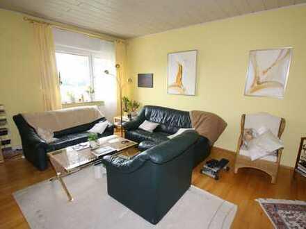 myHome-Immobilien / Suupergünstige, ruhige 4 Zi-Wohnung + EBK , Balkon und toller Blick ins Grüne