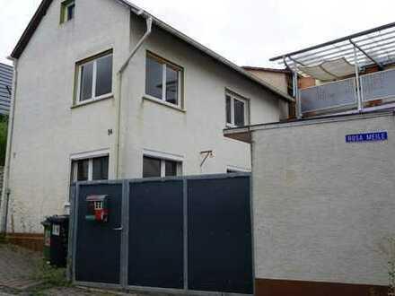 Haus sucht Handwerker! Einfamilienhaus mit Innenhof/Nebengelass